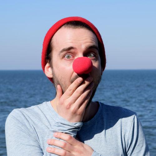 12 erschrockener Clown