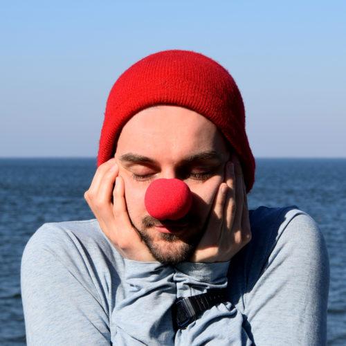 18 verträumter Clown